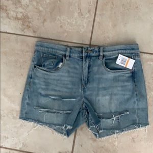 BNWT Blank NYC Distressed Midi short.